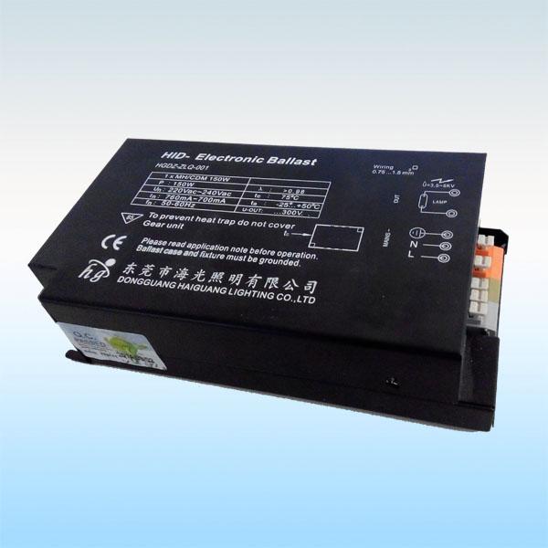 东莞市海光照明电感镇流器是在ISO9001质量管理体系受控下采用高品质材料生产制造而成,符合中国及欧洲电器安全标准,具有安全、节能、性能稳定、寿命长等特点。   产品使用及注意事项:   1、安装镇流器前,请确认使用的电源电压和频率与镇流器标签上标注的电源电压和频率适用范围相匹配。   2、确保镇流器安装稳固,安装松弛会产生较大的噪音。   3、查看镇流器的适用范围及温升大小等参数,确保镇流器用在适当的灯具内和在适当的环境下使用。   4、为了避免受热损坏,触发器与电容器在安装时应与镇流器之间留有足够
